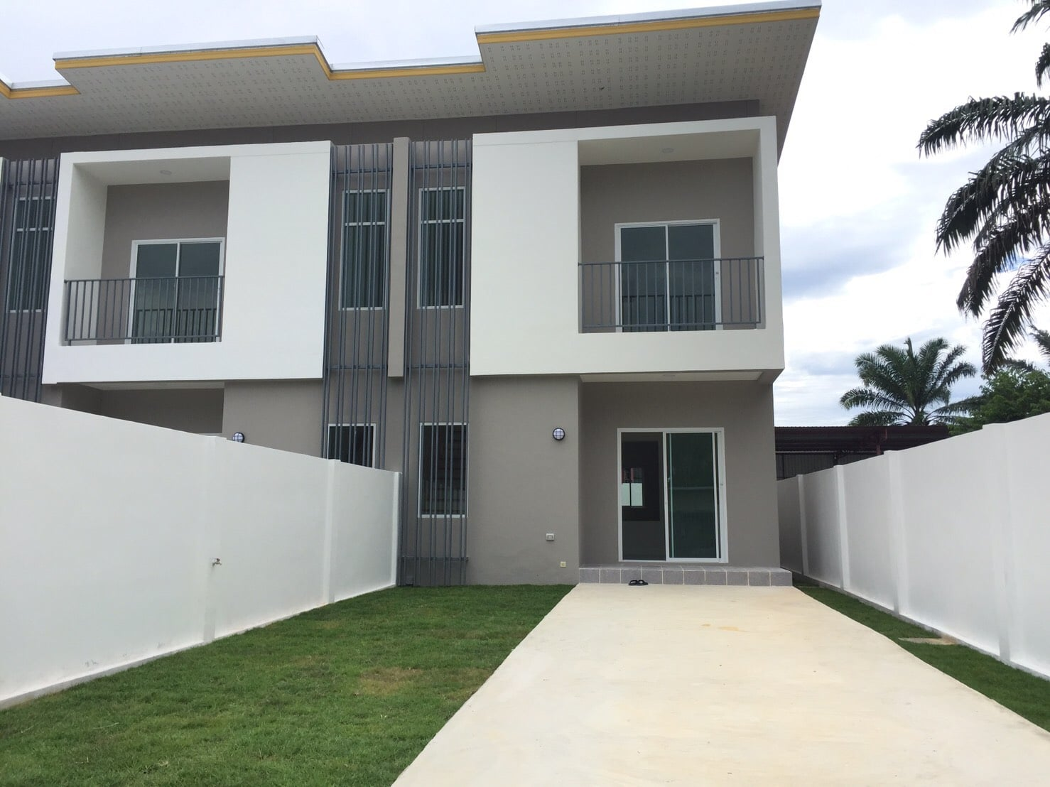 3 Bedrooms Townhouse in Thalang