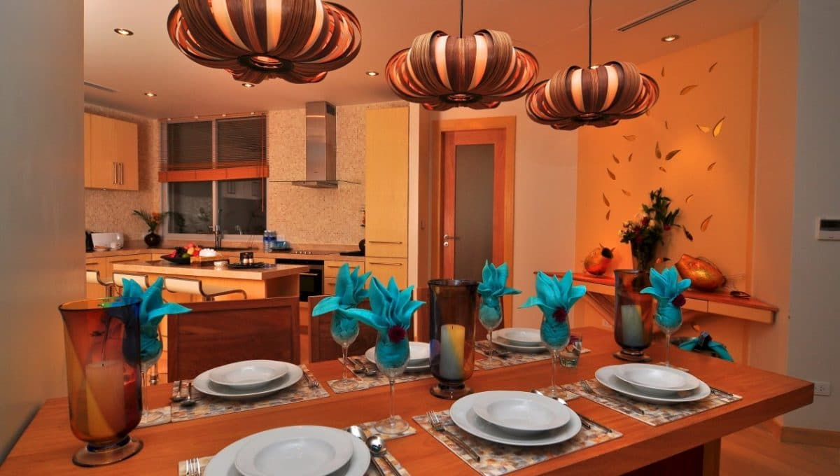 thumbnail_Crystal sand suite dining
