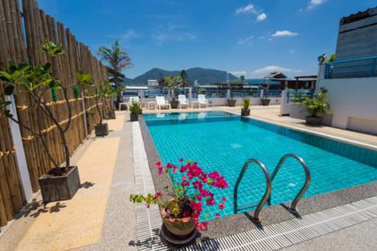 Hotel with rooftop pool in Patong